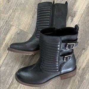 Lucky Brand Dunes Combat Boot - brand new! US7.5